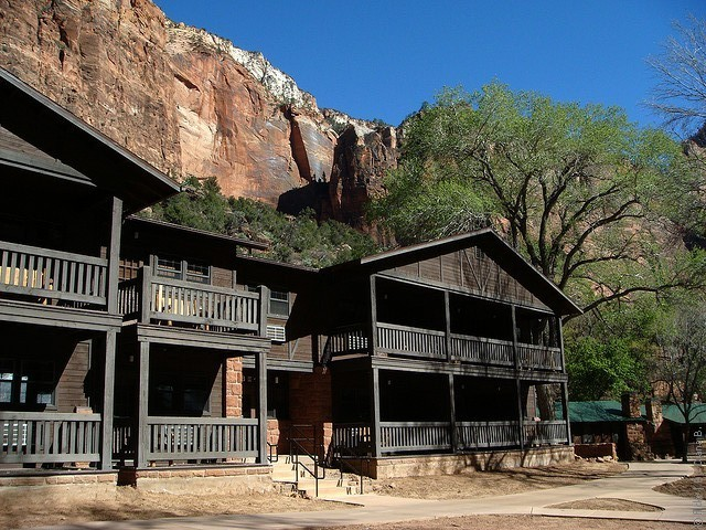 Zion-Lodge-05