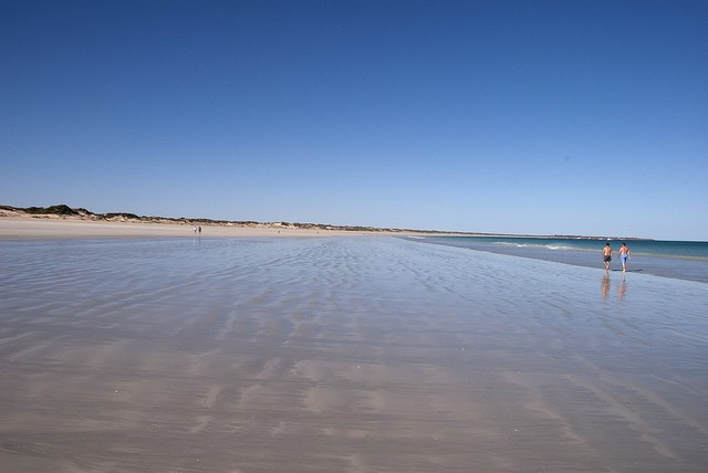 cable-beach-05