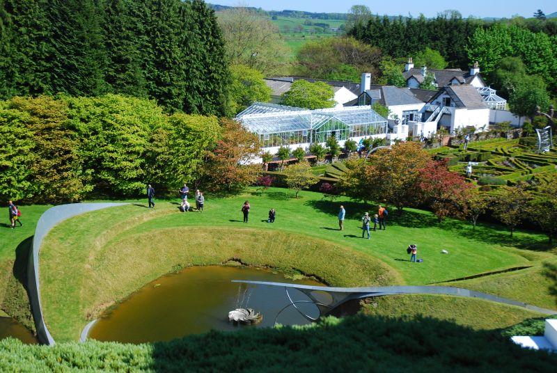 باغ تعمق کیهانی اسکاتلند Cosmic meditation garden Scotland