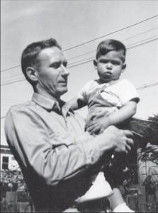 Пол Джобс и маленький Стив, 1956 год.