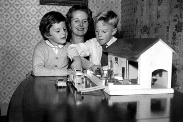 Рождение детей не помешало Маргарет Тэтчер построить политическую карьеру