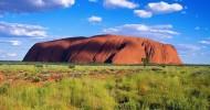 Многоликая скала Улуру в Австралии (33 фото)