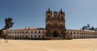 10 удивительных христианских монастырей