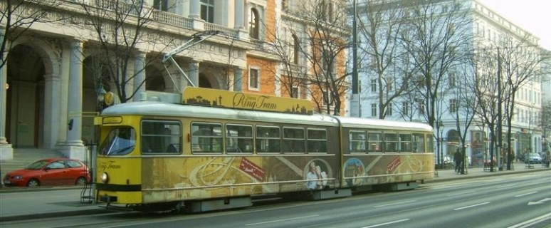 tram_on_the_ring4_b