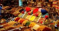 Рынок Бокерия в Барселоне, Испания.
