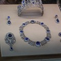 794px-FrenchCrownJewelsLouvre-2[1]