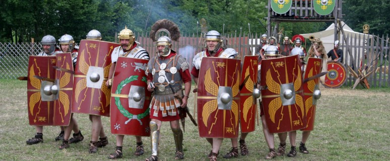 Roman_legion_at_attack[1]
