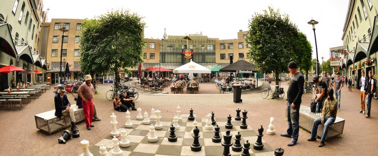 netherlands-amsterdam-real-life-size-chess