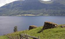 ozero-Hornindalsvatnet-v-Norvegii