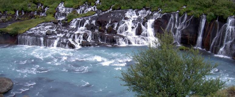 vodopad_hraunfossar.png