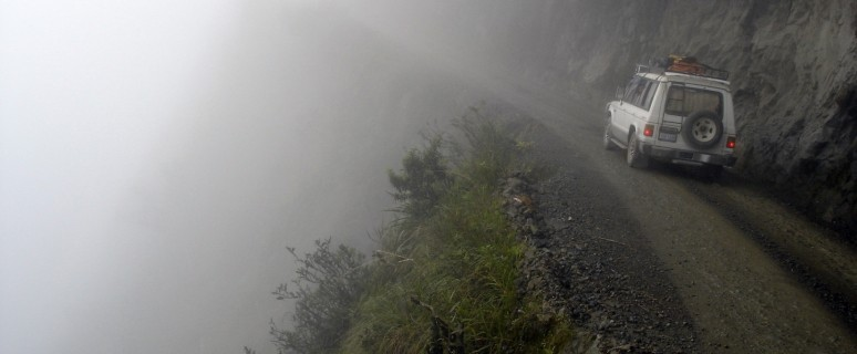 most-dangerous-amazing-roads-in-the-world-North-Yungas-Road-Bolivia-2[1]