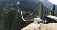 Мост Трифт в Альпах, Швейцария — ФОТО.