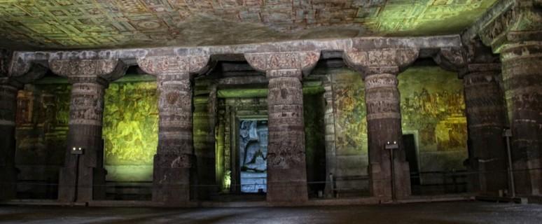 Пещеры Аджанта в Индии