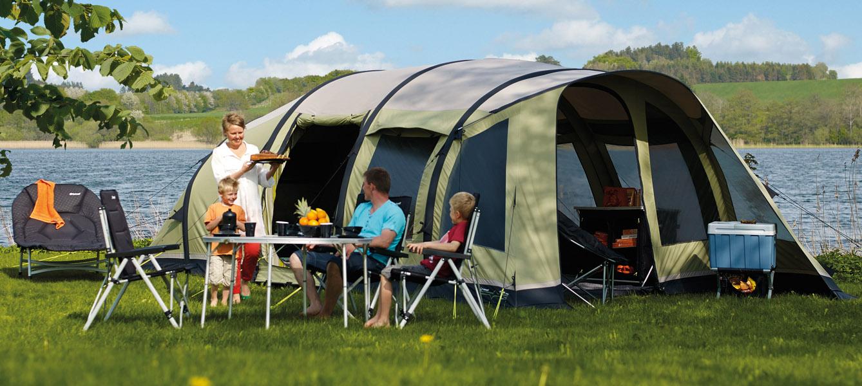 в кемпинговой палатке