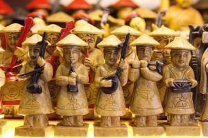 Сувенир - вьетнамские музыканты