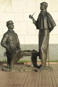 Памятник Холмсу и Ватсону в Москве