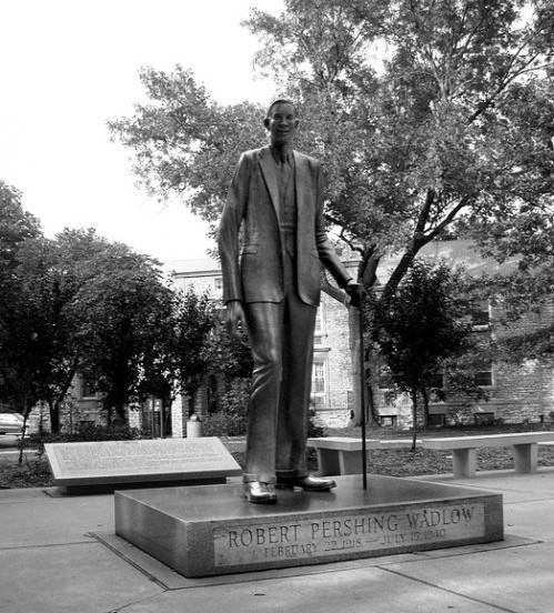Роберт Уодлоу-самый высокий человек в истории