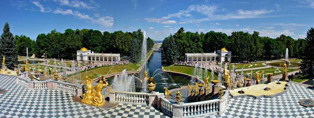 Большой каскад фонтанов Петергофа