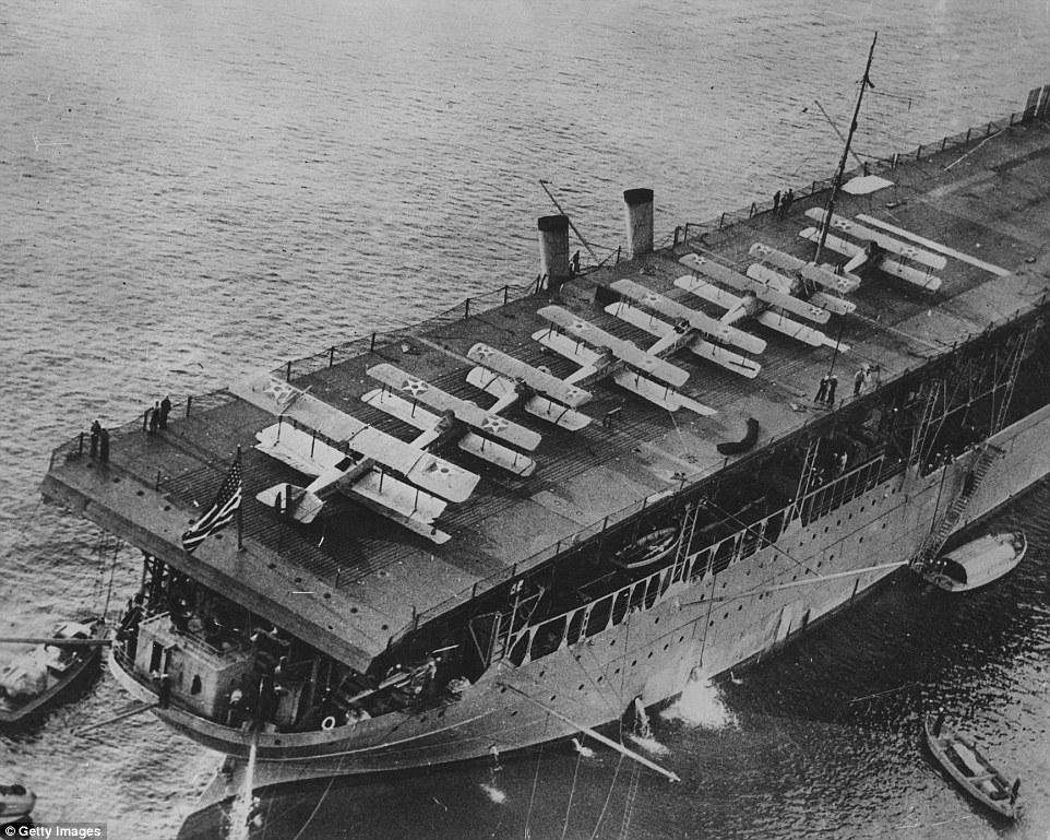 «Лэнгли» - первый авианосец США