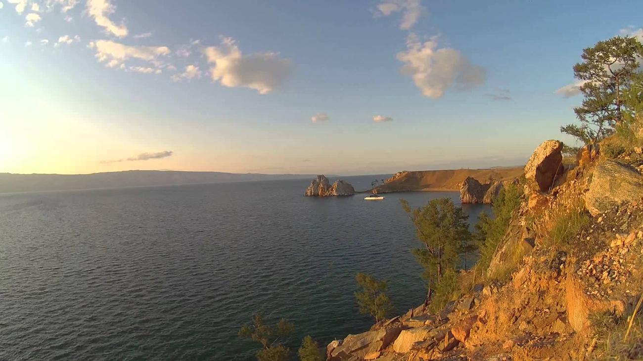Мыс Бурхан. Остров Ольхон, скала Шаманка