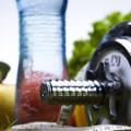 Занятия спортом и правильная еда против жира на животе
